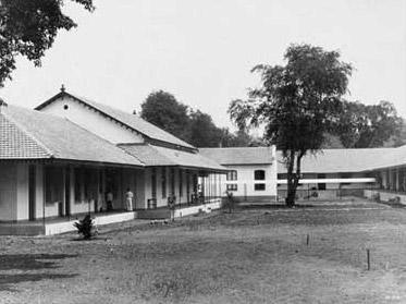 School tot Opleiding van Inlandse Artsen (the Foundation for the Education of Indonesian Doctors)