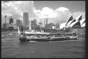 FERRY AND OPERA HOUSE2